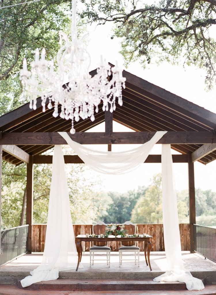 Ranch Austin : Hill Country Wedding : Mint Photography : Pink Parasol Designs and Coordinating : Austin Wedding Photography